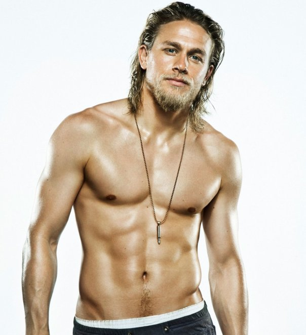 Hot-Charlie-Hunnam-Pictures.jpg